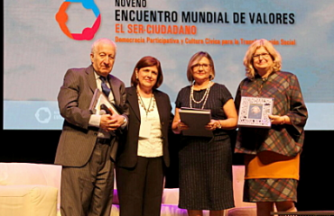 Balague-presento-la-politica-educativa-santafesina-en-el-Encuentro-Mundial-de-Valores-realizado-en-Mexico1_crop
