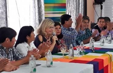 La-provincia-incorporara-16-escuelas-a-la-Educacion-Intercultural-Bilinguee_crop
