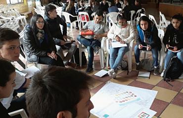Unos-250-estudiantes-participaron-del-Parlamento-Juvenil-Mercosur-en-Santa-Fe_crop